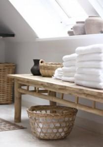Badkamer met bamboe en hout